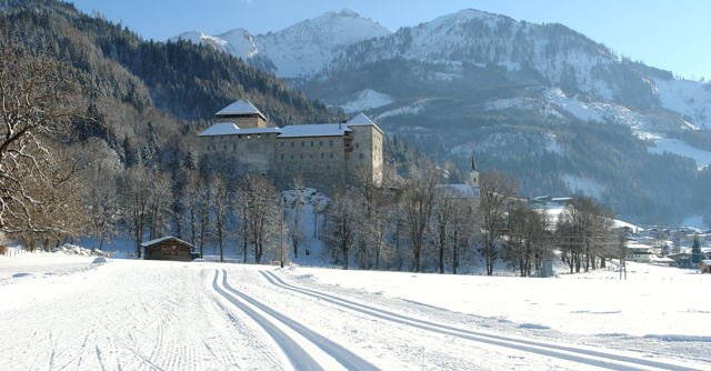 castle_kaprun_in_winter.jpg